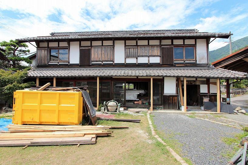 滋賀県長浜市野瀬町再生古民家の母屋正面