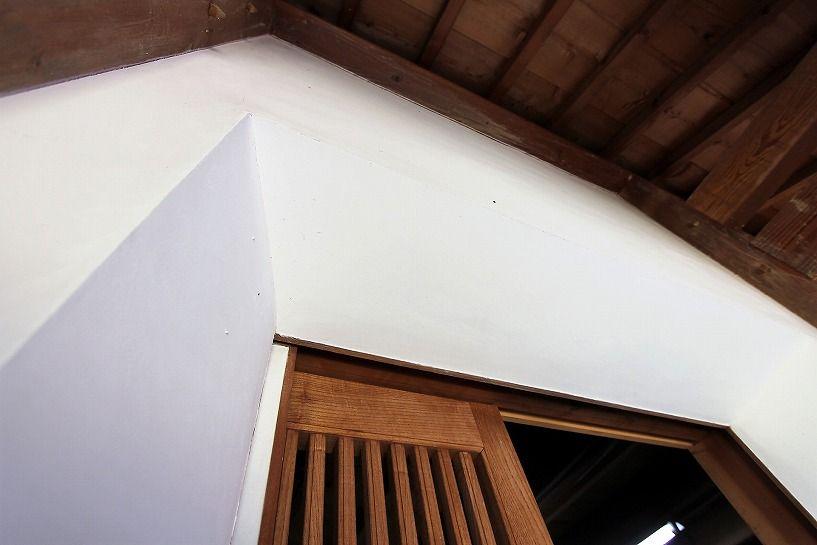 福井県三方上中郡若狭町日本家屋の蔵の漆喰