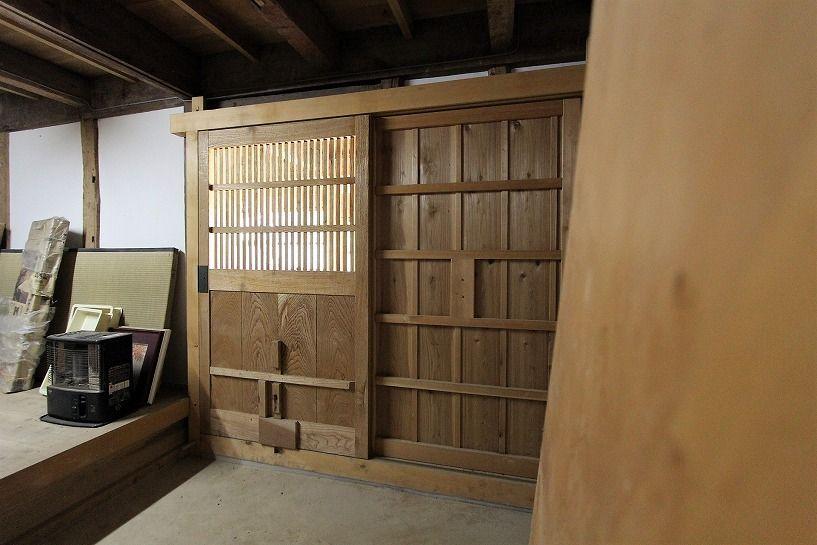 福井県三方上中郡若狭町日本家屋の蔵の内側の入り口
