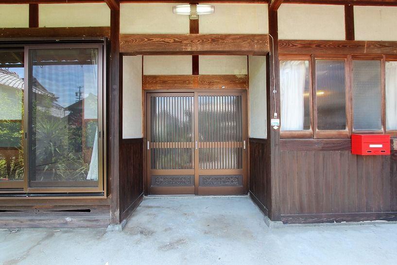 三重県伊賀市比土の平屋古民家の玄関