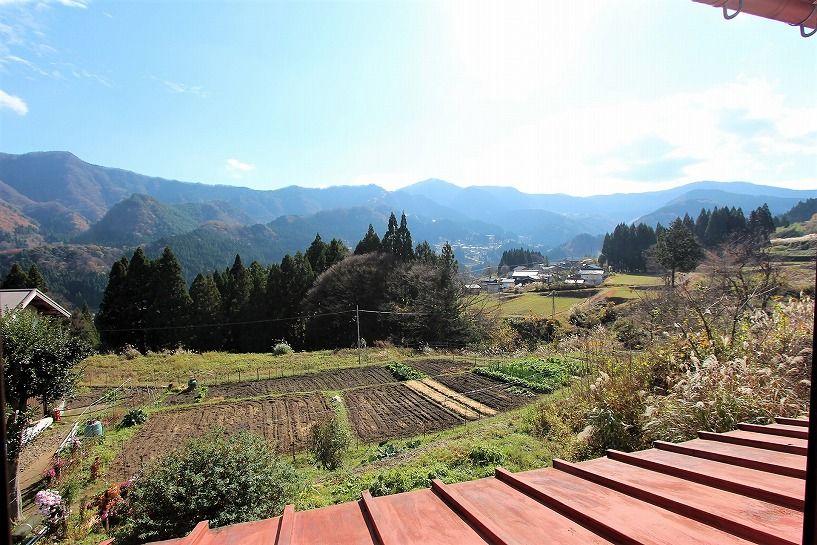 兵庫県美方郡香美町小代区鍛冶屋古民家からの眺望
