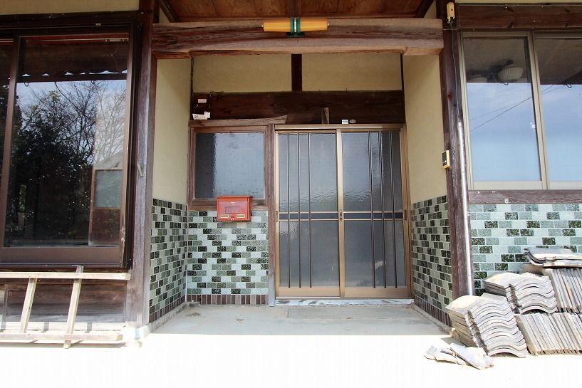 伊賀市摺見古民家の玄関