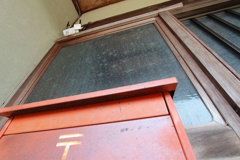 伊賀市摺見古民家の玄関2