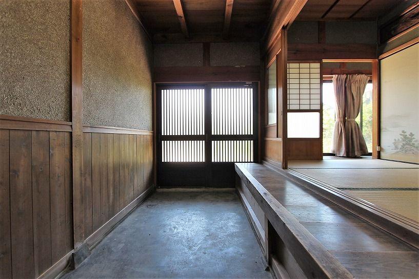 三重県伊賀市比土の平屋古民家の土間玄関