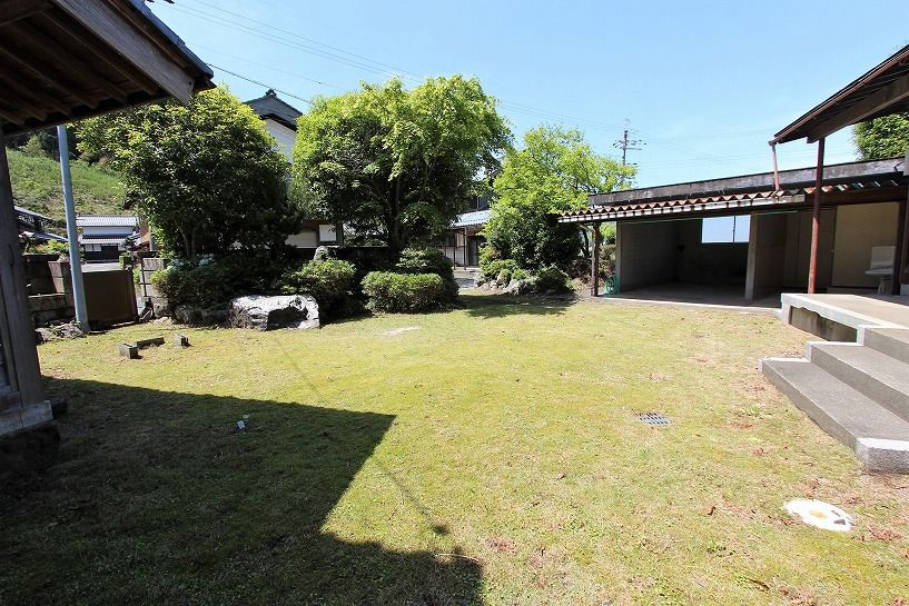 福井県三方上中郡若狭町日本家屋の庭