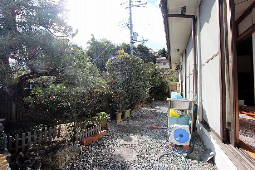 京都市北区衣笠赤阪町戸建の日本庭園