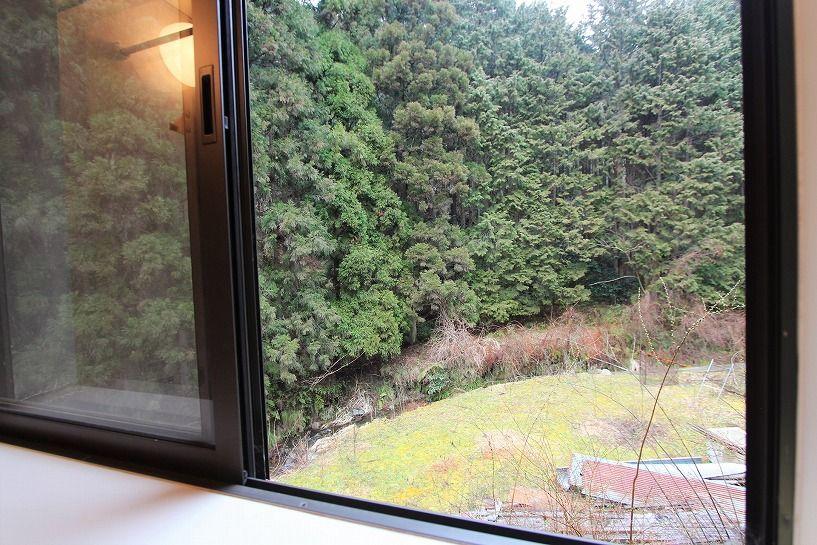 京丹波町水吞久保田ウッディハウスのお風呂からの眺望
