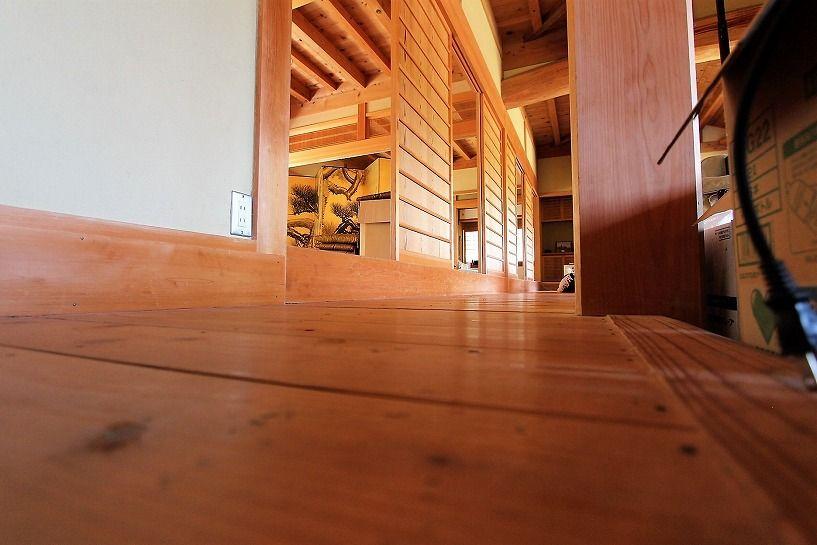 奈良県宇陀郡曾爾村塩井日本家屋の廊下