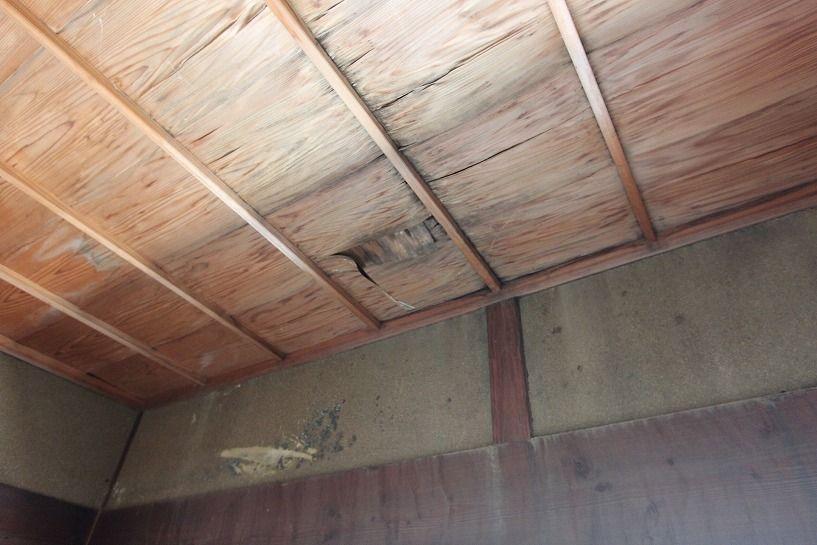 伊賀市摺見古民家の母屋和室天井