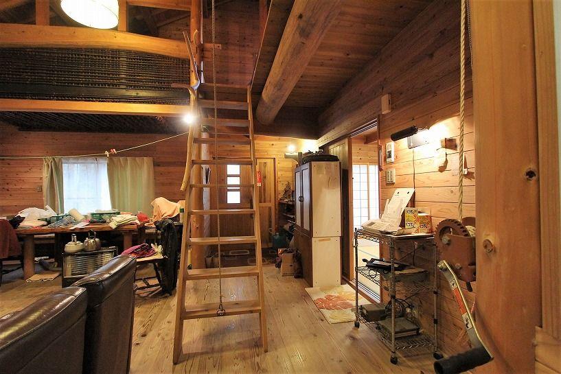 京丹波町水吞久保田ウッディハウスの階段2
