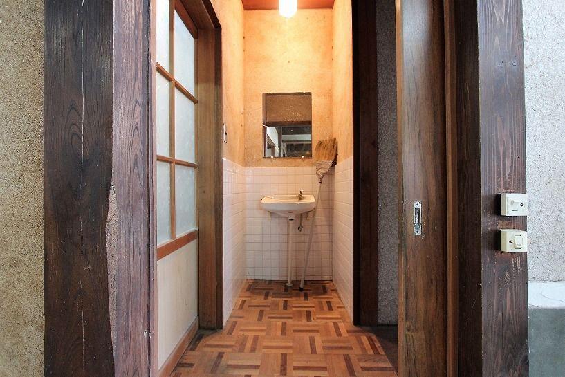 兵庫県美方郡香美町小代区鍛冶屋古民家の洗面所