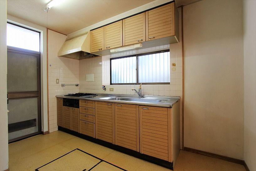 河内長野市美加の台日本家屋キッチン