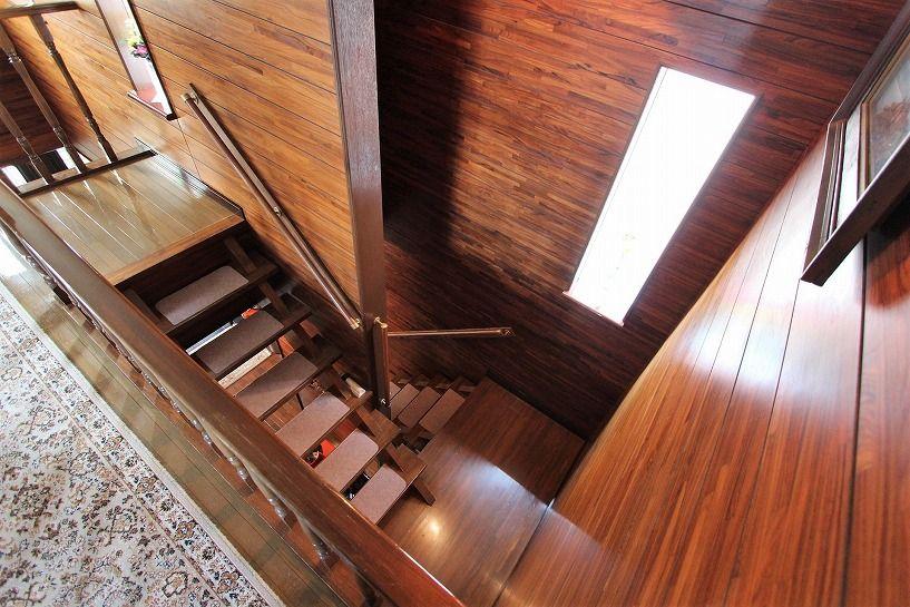 京都市北区衣笠赤阪町戸建の階段