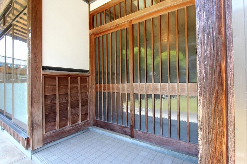福井県三方上中郡若狭町日本家屋の玄関