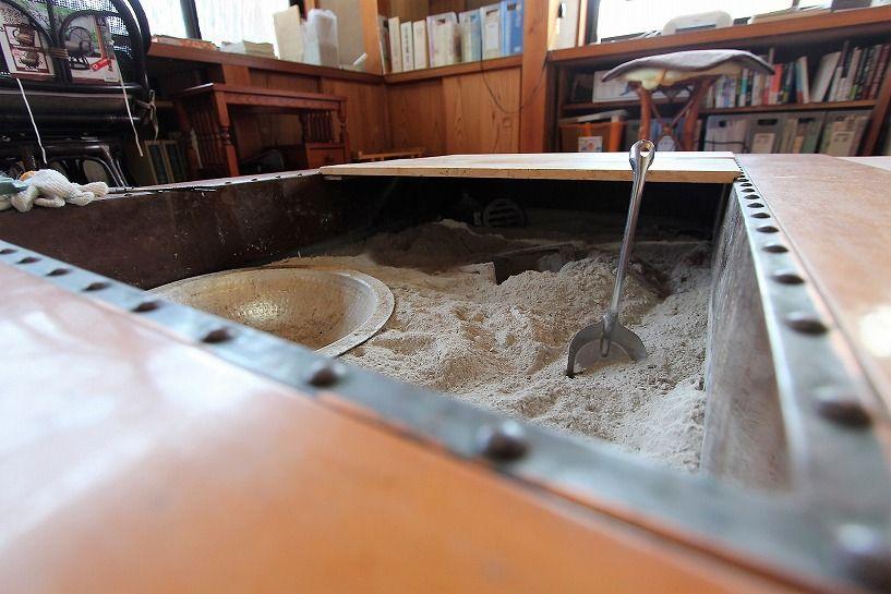 奈良県宇陀郡曾爾村塩井日本家屋の囲炉裏