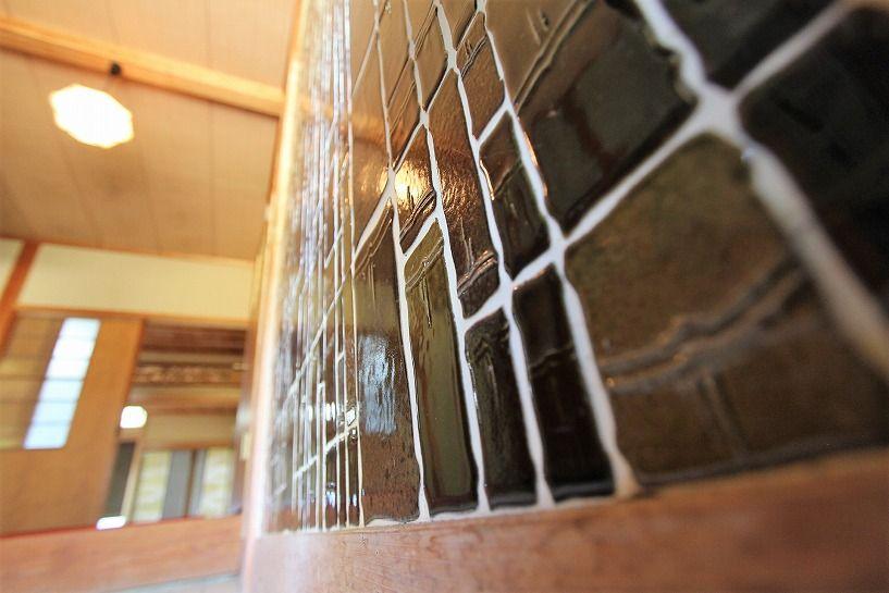福井県三方上中郡若狭町日本家屋の竹模様のタイル