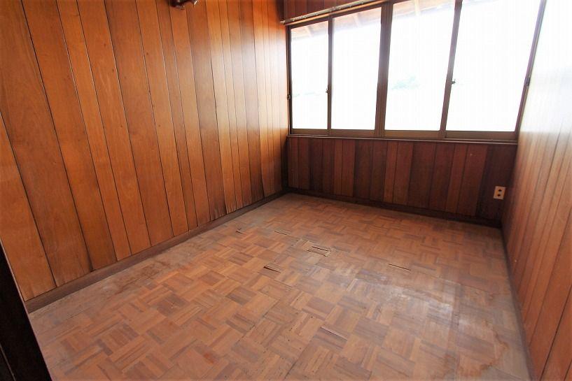 伊賀市摺見古民家の洋室