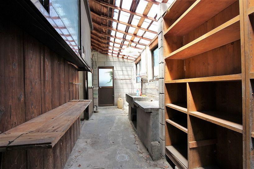 三重県伊賀市比土の平屋古民家の納屋