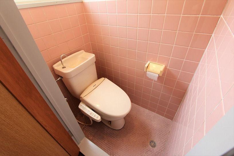 京都市右京区京北周山町百ノ角戸建のトイレ