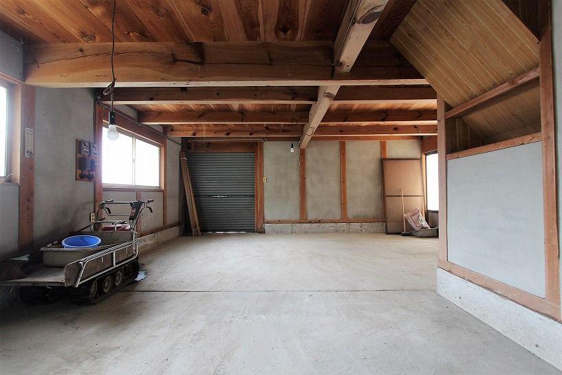 伊賀市摺見古民家の離れの倉庫