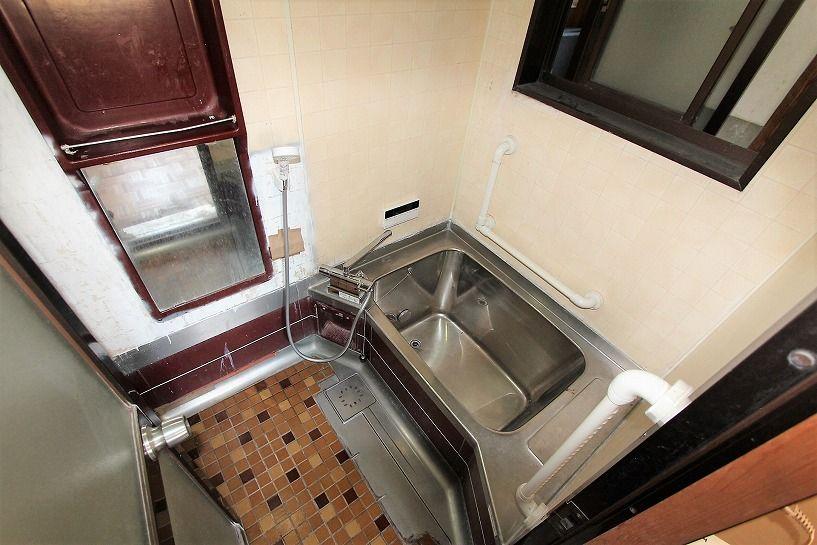 三重県伊賀市比土の平屋古民家の風呂