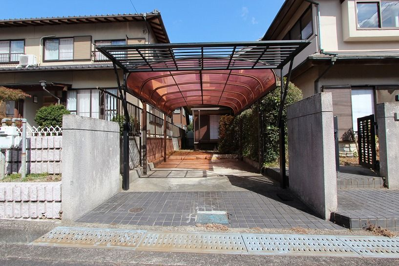 河内長野市美加の台戸建駐車スペース