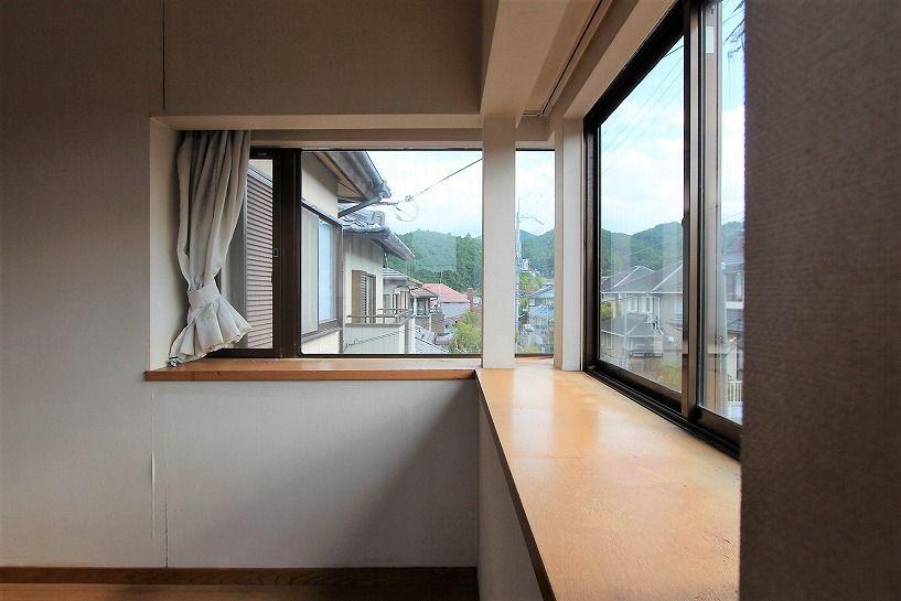河内長野市美加の台日本家屋2階出窓