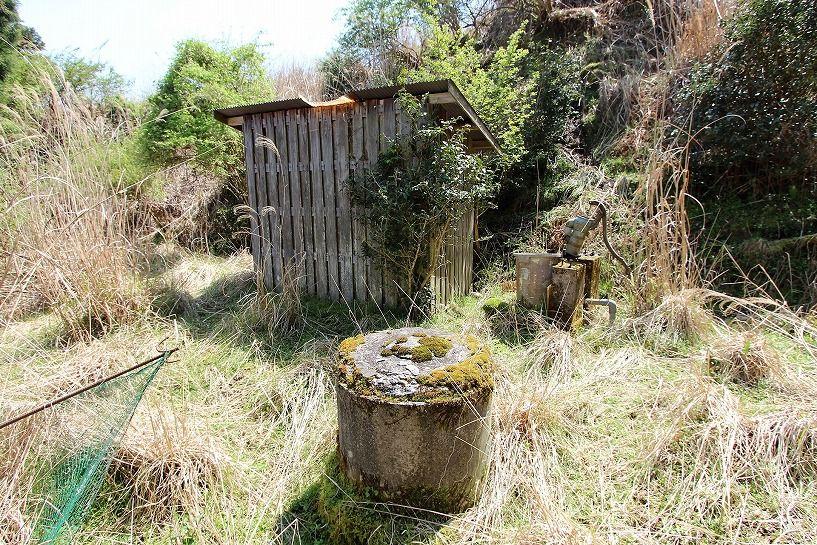 奈良県宇陀郡曾爾村塩井日本家屋の井戸