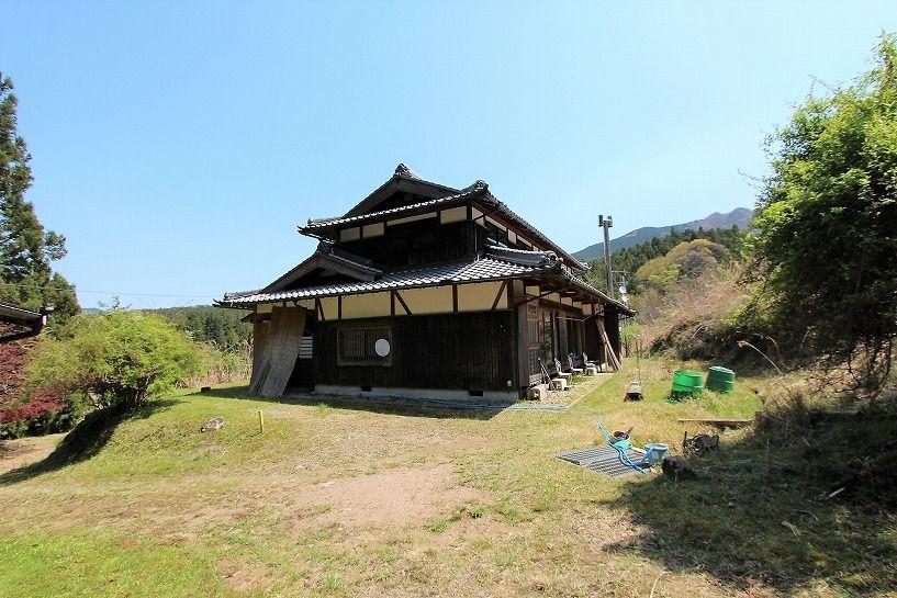 奈良県宇陀郡曾爾村塩井日本家屋外観の南面