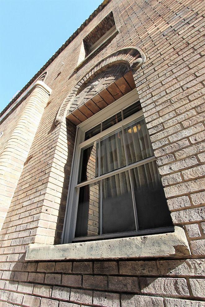 大坂倶楽部の窓